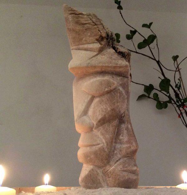 L'atztèque, sculputre en albâtre, réalisé en 2014, Collection particulière