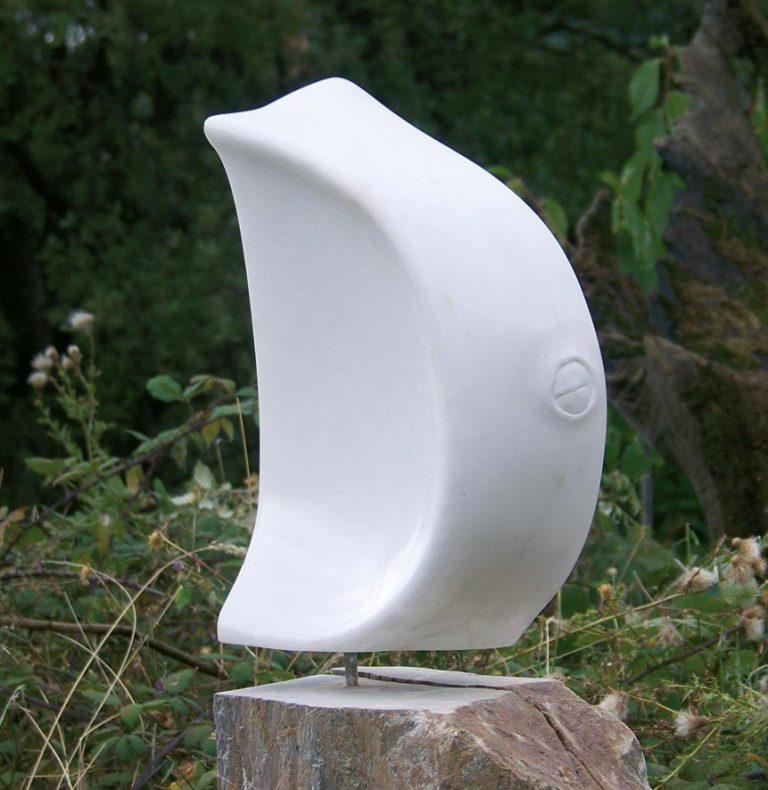 Le jours viendra, sculpture en albâtre, réalisé en 2007 par Xavier Loire, collection privé