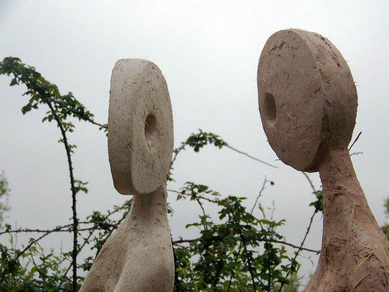 Pourquoi pas? sculpture en plêtre, terre, réalisé en 2008
